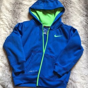 Blue NIKE therma-fit jacket 4T EUC